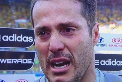 Nos pênaltis, Júlio César vira herói e Brasil segue para quartas de final