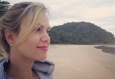 Eliana se despede das férias no litoral com selfie a beira-mar - Reprodução Instagram