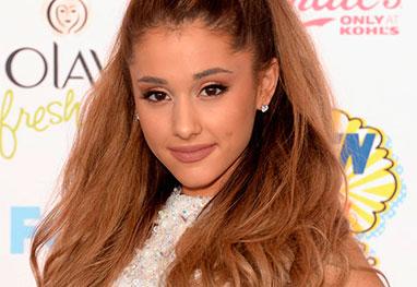 Ariana Grande briga com produtor de seu CD por erros gramaticais - Getty Images