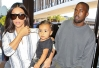 Kim Kardashian embarca para Londres com North e Kanye West -