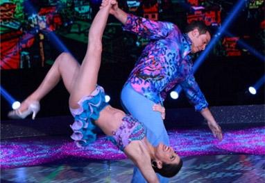 Carol Castro relembra vitória no Dança dos Famosos