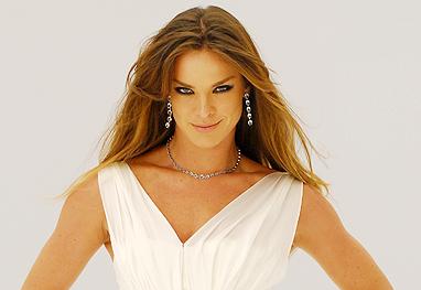 Leticia Birkheuer se irrita com fotos publicadas pela Playboy - Divulgação/TV Globo
