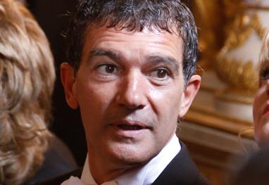 Antonio Banderas chora ao falar de Melanie Griffith em festival - Grosby Group