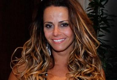 Viviane Araújo usa imagens de lanchonete para desmentir vídeo de sexo - Ag News