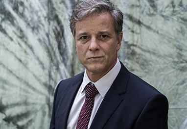 Cirurgia afasta Marcello Novaes das gravações de Dupla Identidade - Globo/Estevam Avellar