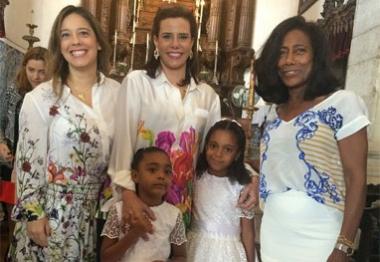Glória Maria batiza as filhas e recebe a visita de Narcisa Tamborindeguy