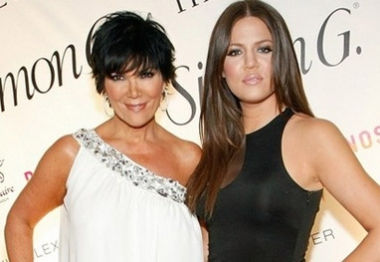Mãe assegura que Khloe Kardashian é realmente filha de Robert Kardashian