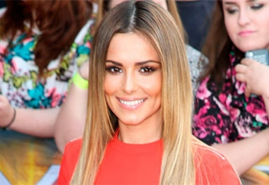 Cheryl Fernandez-Versini surpreende concorrente do The X Factor ao falar francês