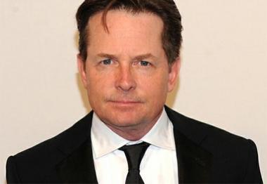 Fundação Michael J. Fox processa laboratório de pesquisa
