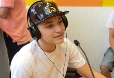 Mc Gui participa de programa de rádio e conta sobre seus ídolos
