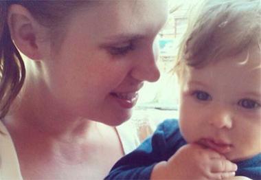 Carolinie Figueiredo homenageia sete meses do filho: