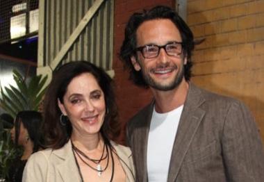 Rodrigo Santoro e Christiane Torloni prestigiam premiação de cinema
