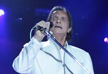 Durante especial, Roberto Carlos cantará em 6 idiomas - Ag.News