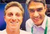 Luciano Huck faz selfie com William Bonner antes do último debate entre candidatos -