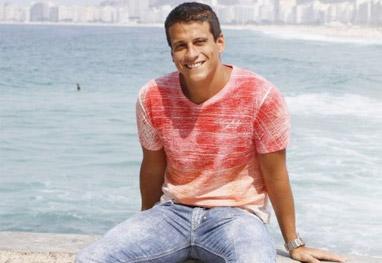 Ator de O Dono Mundo ganha a vida como vendedor  - Gil Rodrigues/Foto Rio News