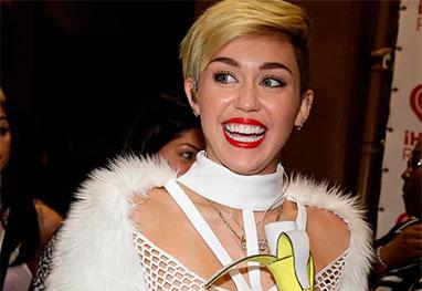 Miley Cyrus organiza festa de Natal milionária para sem-teto - Getty Images