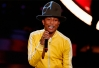 Pharrell Williams compara ir à festas com jantar no McDonald´s -