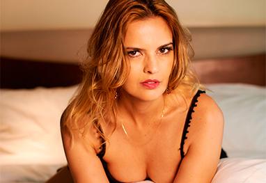 Raquel Nunes posa para ensaio sexy de revista masculina - Alessandro Cecconi/Divulgação