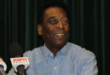 Pelé deixa hospital após 16 dias internado - Amauri Nehn/Photo Rio News e Ag.news