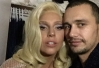 Little Monster! James Franco tieta Lady Gaga em festa -
