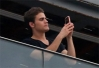 Paul Wesley clica as belezas naturais do Rio da sacada de hotel -