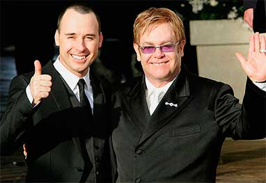 Elton John se casa com David Furnish na Inglaterra  - Getty Images