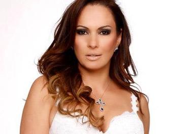 Núbia Oliiver vence processo após ser chamada de atriz pornô por jornal - Reprodução