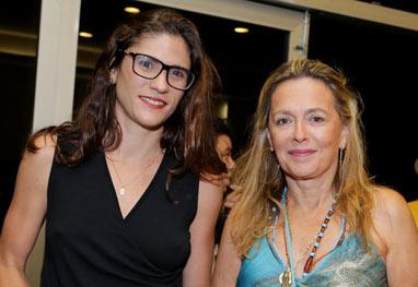 Maria Zilda e a companheira assistem a show de Maria Bethânia - AgNews