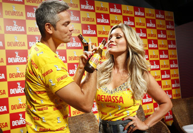Flávia Alessandra e Otaviano Costa são apresentados como 'Musos' de Camarote no Rio  - Gil Rodrigues/Foto Rio News
