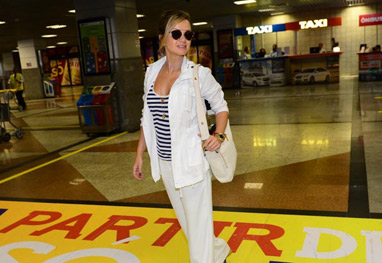 Eliana leva fãs à loucura ao desembarcar no aeroporto de Salvador - Francisco Cepeda/AGNews