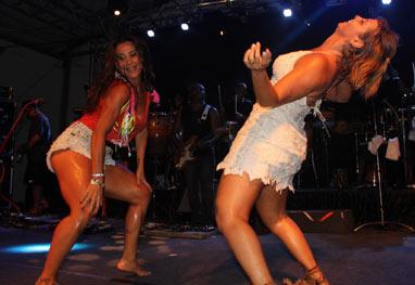 Salvador: Carla Perez e Scheila Carvalho dançam juntas e revivem velhos tempos - Marlon Santos/AgFPontes/Divulgação