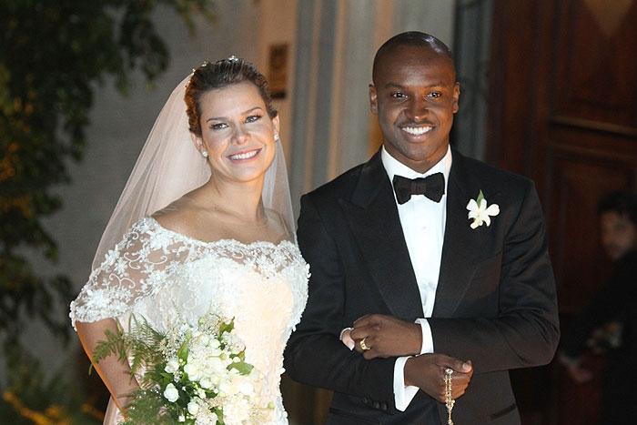 Noite de sonho... Fernanda Souza e Thiaguinho: enfim, casados! - Manuela Scarpa e Amauri Nehn/Photo Rio News e Ag.News