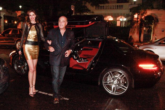Luciana Gimenez chega em restaurante com o marido em carro de R$2 milhões - Marcos Ribas/Photo Rio News