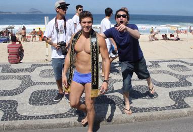 Mister Universo Rio de Janeiro deixa corpão à mostra para gravação no Rio - Divulgação