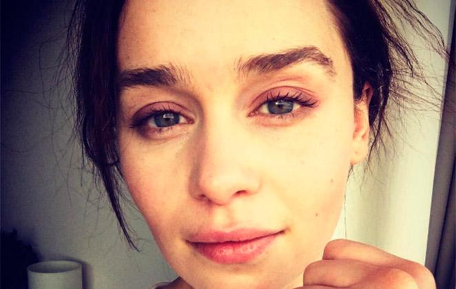 Emilia Clarke faz sugestão sobre personagem em seriado