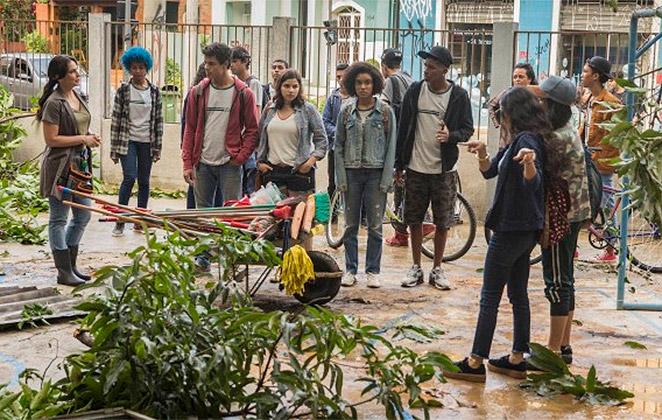 Hoje em Malhação: Alunos fazem mutirão para ajudar a escola
