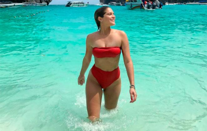 Isabella Santoni exibe corpaço na Tailândia