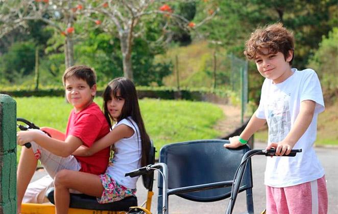 Kevin Vechiatto curte férias em Guararema