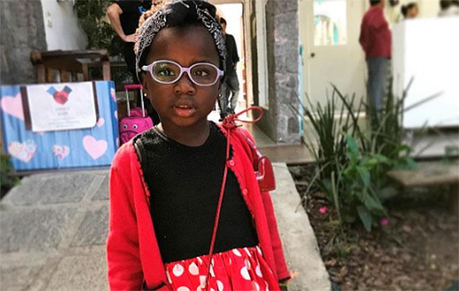 Titi se veste de Minnie e encanta os fãs