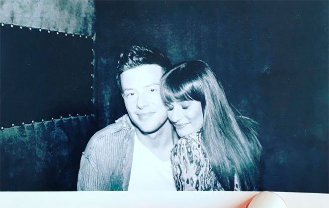 Lea Michele homenageia Cory Monteith nos 4 anos de sua morte