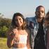 Cauã Reymond curte praia com filha e namorada