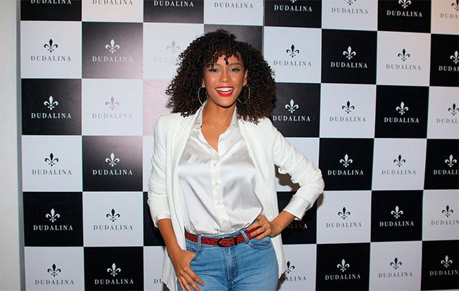 Taís Araújo arrasa em evento de moda