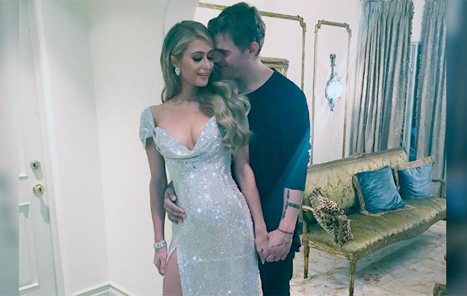 Namorado homenageia Paris Hilton com tatuagem no braço