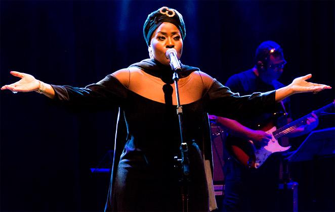 Vanessa Jackson comemora oportunidade de viver Whitney