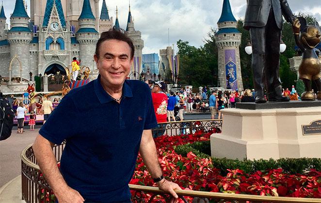 Amaury Jr mostra novidades dos parques temáticos de Orlando
