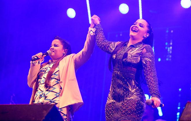 Maiara e Maraisa contam com famosos na plateia de show
