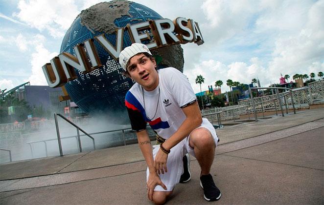 Christian Figueiredo curte férias no Universal Orlando Resor