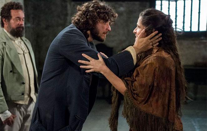 Hoje em Novo Mundo: Joaquim se emociona ao ver Elvira
