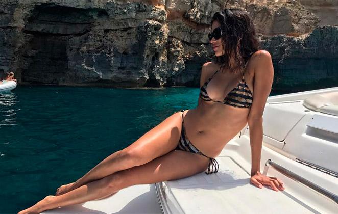 Raica Oliveira mostra corpão em forma na Espanha