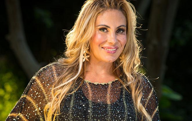 Angela Bismarchi prepara CD gospel: 'Missão da minha voz'